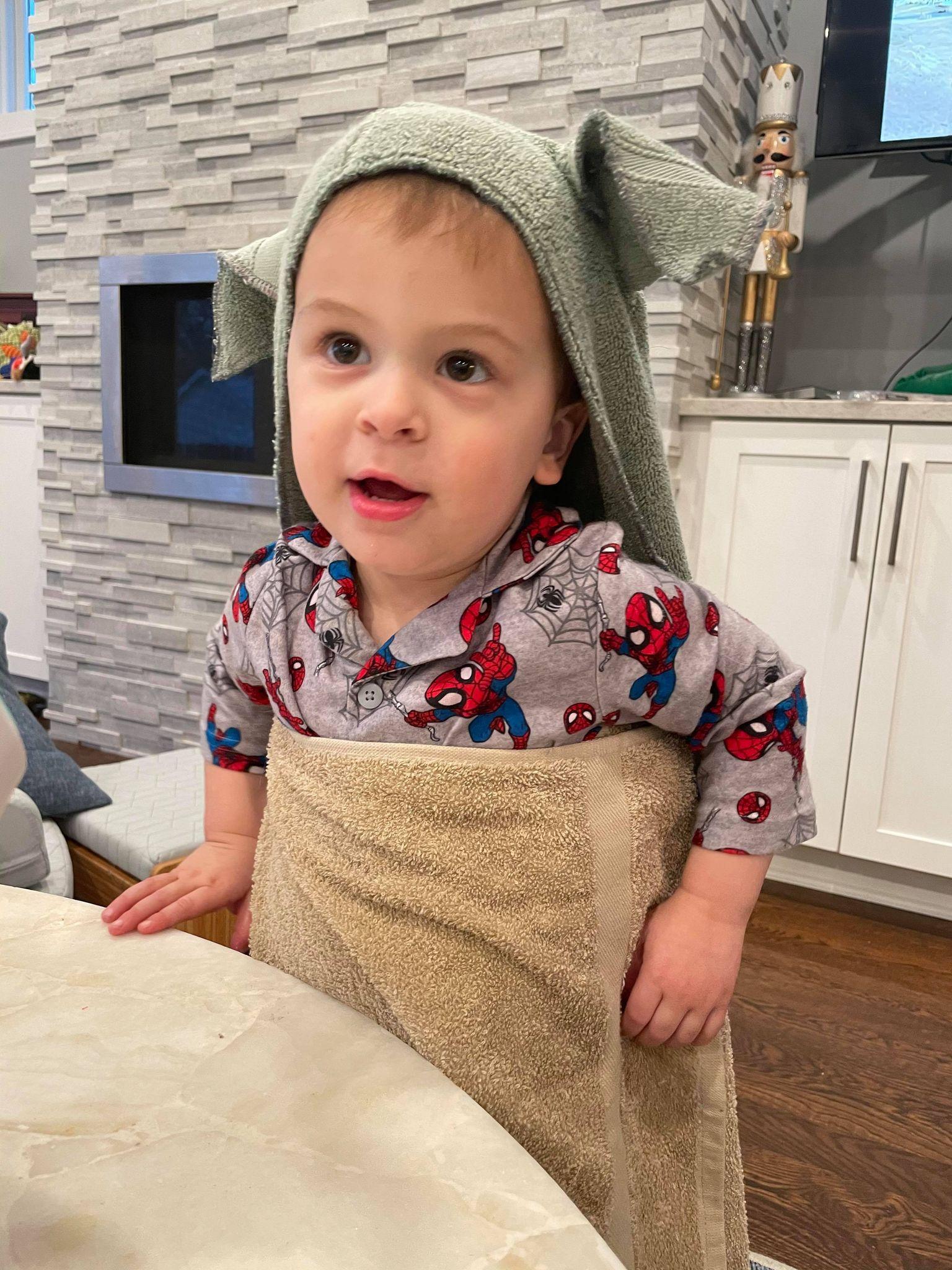 Christmas 2020: Baby Yoda Bath Towel